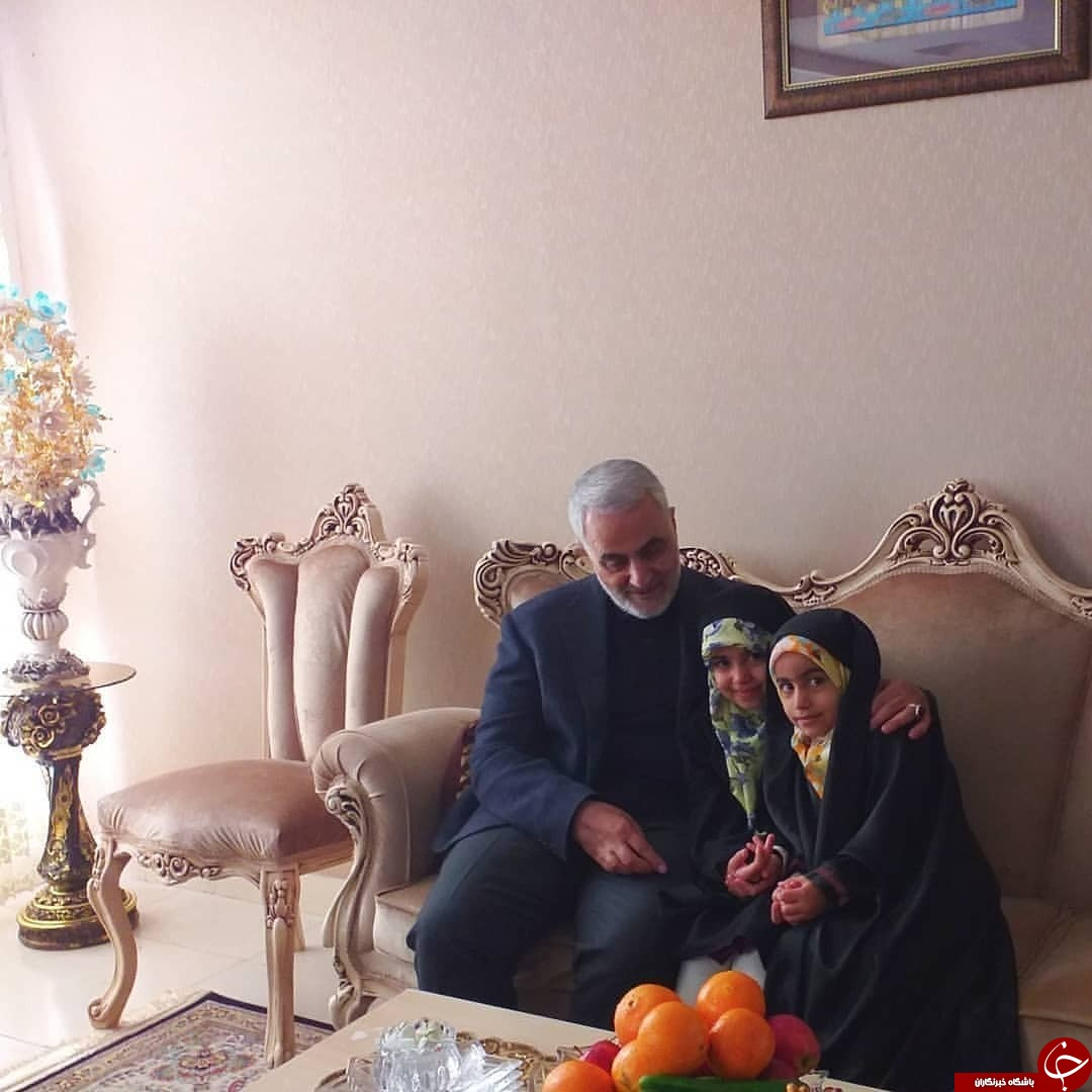 دیدار نوروزی سردار سلیمانی با خانواده شهید مدافع حرم مهدی نعمائی